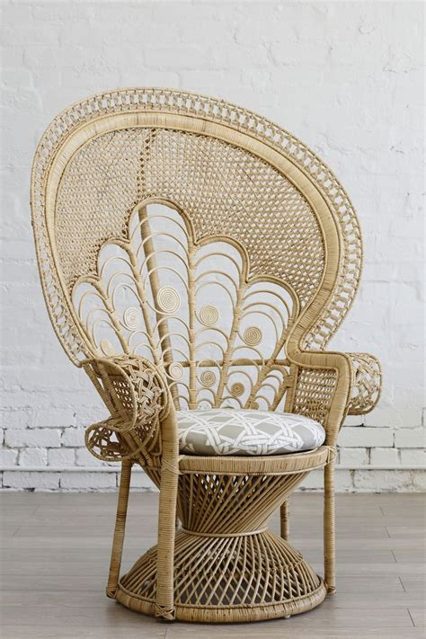 peacock armchair 17 beste idee 235 n over peacock chair op pinterest boheems