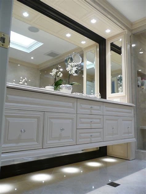 Floating Vanity   Traditional   Montreal   by Jazzy