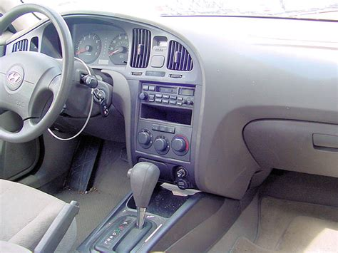 2005 Hyundai Elantra Interior by Image Gallery 2005 Elantra Interior