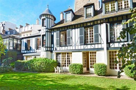 Paris : une maison normande à vendre 42 millions d?euros