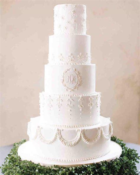 winter wedding cake designs