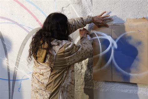 artiste futura la maison hennessy collabore avec l artiste futura les