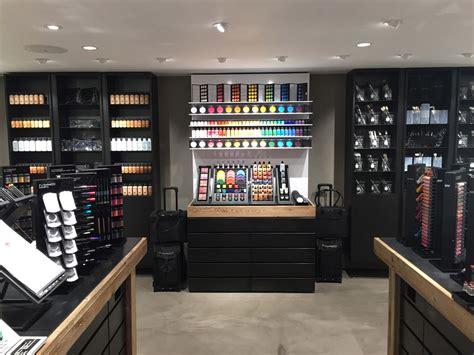 mac cosmetics nouveau magasin haut en couleurs