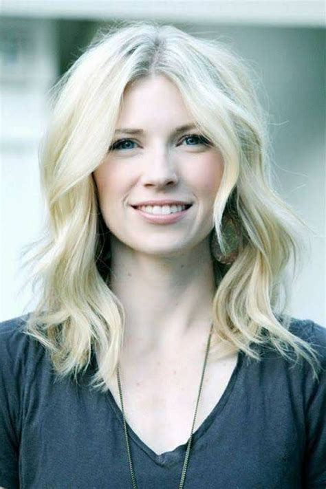 short layered hairstyles with middle parts 20 great shoulder length layered hairstyles bobs messy