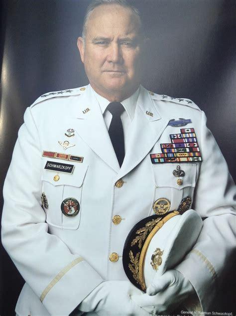 General H Norman Schwarzkopf Essay by Vip Leibovitz Quot Fotografie Di Unna Vita 1990 2005 Quot арт фото