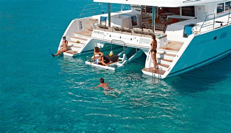 catamaran boat difference difference between sailing a monohull and catamaran