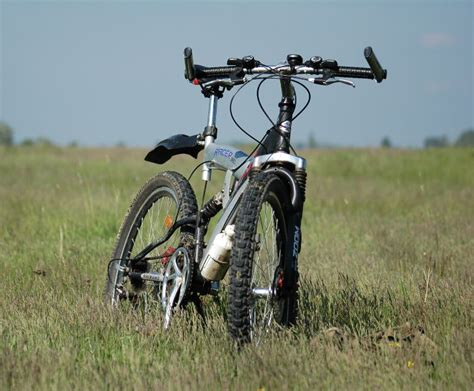 buy a mountain tips for buying a beginner mountain bike 171 cycling for