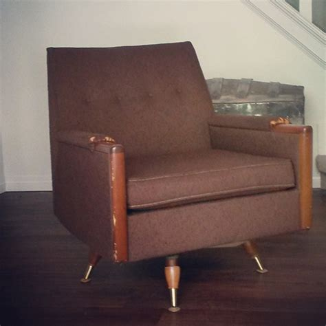Reupholster An Armchair With Vintage Mad Men Style How To Reupholster A Swivel Chair