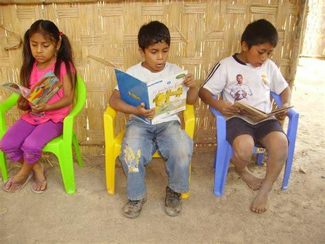 imagenes de niños indigenas jugando biblioteca para el desarrollo obraje proyecto futura