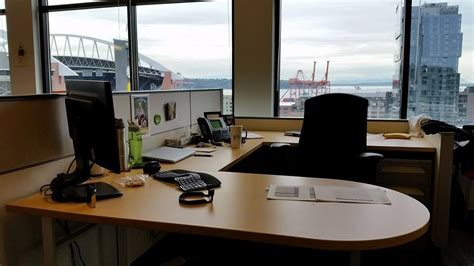 seattle u help desk a desk at our cdk seattle off cdk global office photo