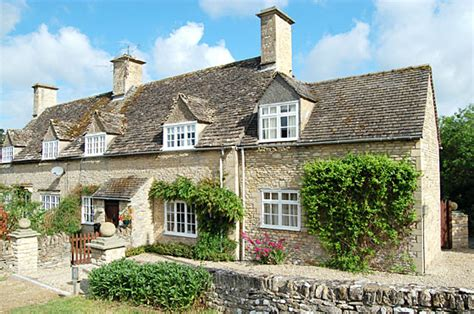 Houses For Rent 5 Bedroom Rent Cotswold Cottage Self Catering Holidays In A