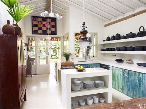 anderson coopers brazilian compound   summer airbnb