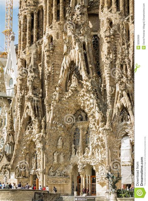 libro the sagrada familia gauds architecture detail of the sagrada familia cathedral designed b editorial stock image image