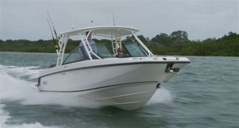 boston whaler 270 vantage boat test playing boston whaler 270 vantage 2014 boston