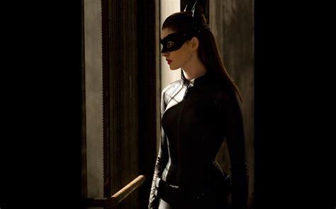 catwoman wallpaper dark knight anne hathaway the dark knight rises wallpaper