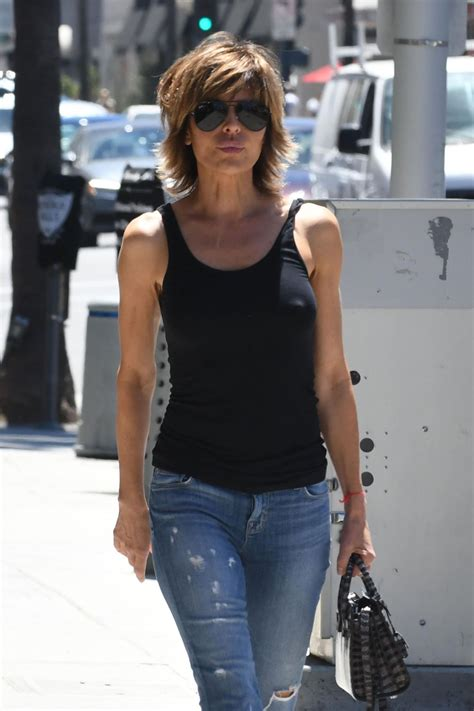 lisa rinna stylist lisa rinna leaves a nail salon in beverly hills 06 27 2017