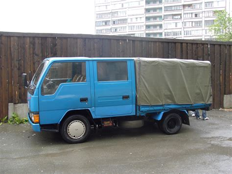 mitsubishi trucks 1990 1990 mitsubishi canter pictures 2837cc diesel for sale