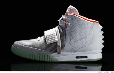 kanye new sneakers sneakerheads go for kanye west s new kicks jun