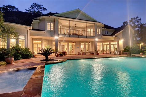 huge luxury homes rich people who know how to exercise and socialise