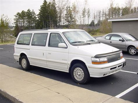 how to sell used cars 1995 chrysler town country lane departure warning redrocket91rt 1995 chrysler town country specs photos modification info at cardomain