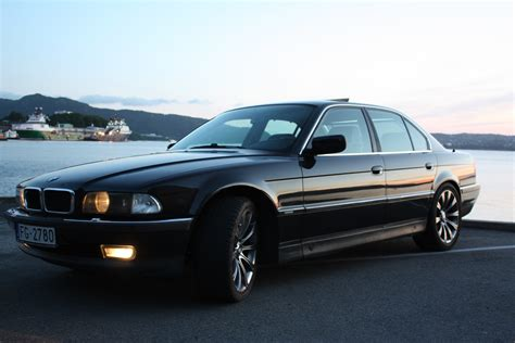 how to work on cars 1995 bmw 7 series parental controls andriiis7 1995 bmw 7 series specs photos modification info at cardomain
