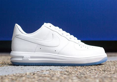 Nike Amlunar 14 another look at the nike lunar 1 14 quot white on white quot sneakernews