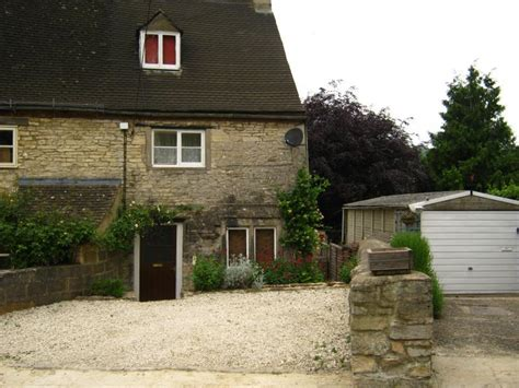 combe cottage dog friendly retreat in the cotswolds sleeps 4
