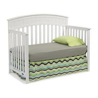 Graco Charleston Classic Convertible Crib Classic White Graco Charleston Convertible Crib White