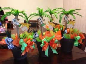 theme baby shower 31 jungle theme baby shower table decoration ideas