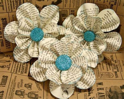 Blumen Aus Zeitungspapier wunderbare ideen f 252 r basteln mit zeitungspapier