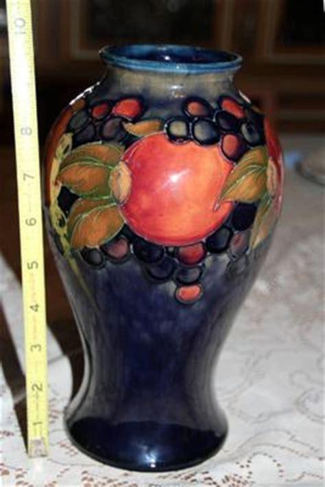 Moorcroft Pomegranate Vase Value by Large Moorcroft Pomegranate Vase With 5 Fruits