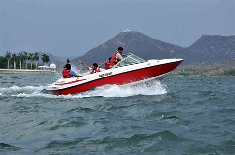 speed boat udaipur fateh sagar lake in udaipur activities and how to reach