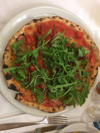 pizza si pavia ristorante la vecchia pavia in pavia con cucina italiana
