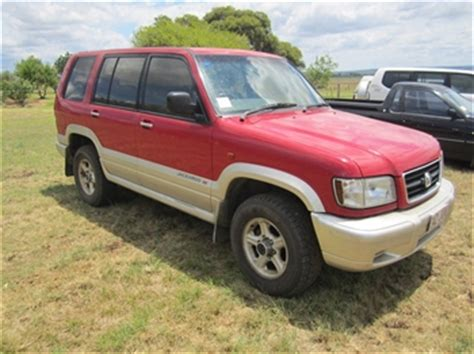 holden 4wd wagon deere 6600 4wd tractor auction 0040 7001651
