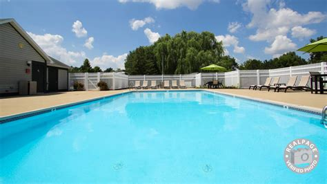 The Valley Apartments Grand Rapids Reviews Creek Apartments Grand Rapids Mi Apartment Finder