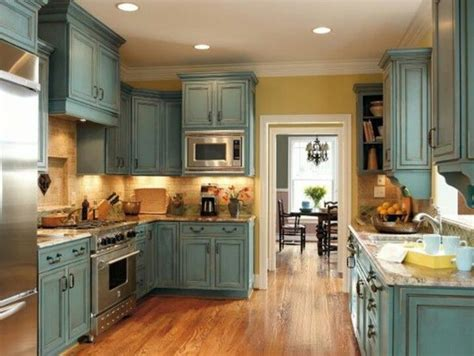 country kitchen cabinets ideas 25 best ideas about country kitchen cabinets on