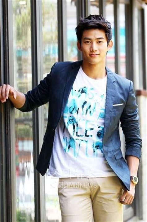 imagenes de ok taecyeon taecyeon 2pm men of kpop photo 22915904 fanpop