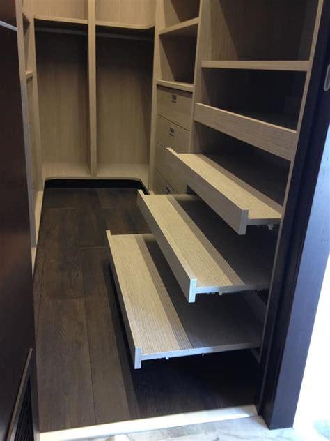arredo cabine armadio cabina armadio su misura con scaffalature idfdesign