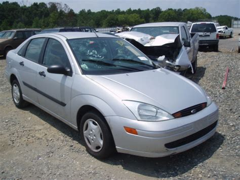 Ford Focus 2001 by 2001 Ford Focus Pics Auto News And Car Reviews