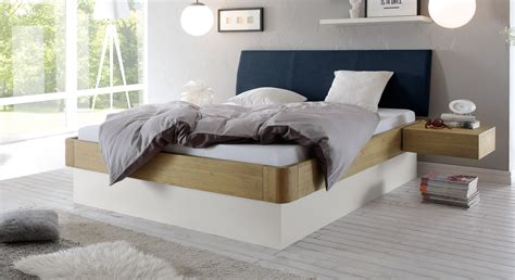 bett auf boden stauraumbett in eiche massiv auch mit lattenrost majuro