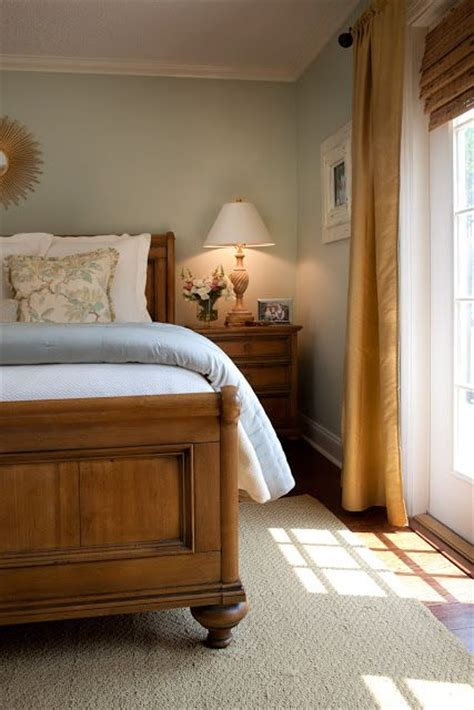 cream and gold bedroom furniture soft kind of a cream colored turquoise walls with pine