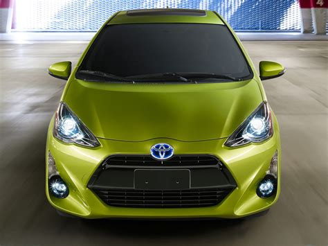 2016 toyota prius exterior rear review 2016 2018 future cars 2016 toyota prius c price photos reviews features