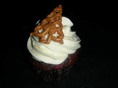 Fondant Torten Ideen 4373 by Weihnachtliche Marzipan Kirsch Cupcakes