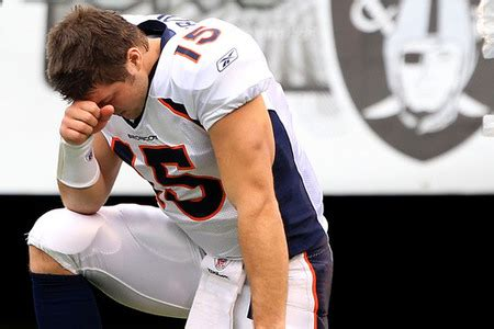 Tebowing Meme - the next internet stupid meme is tebowing