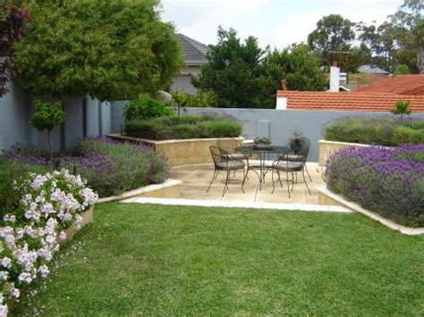 Courtyard Home fire pit crazy paving