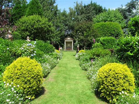 the laskett gardens gardens to visit 2017 united kingdom shrubs grass gardens landscape images