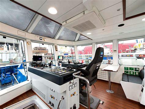 tugboat wheelhouse 3 ship technology