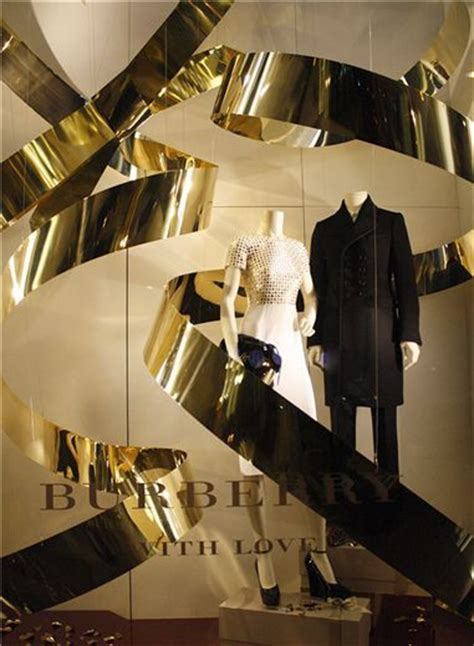 store layout design and visual merchandising case study 210 best branding case study burberry images on pinterest
