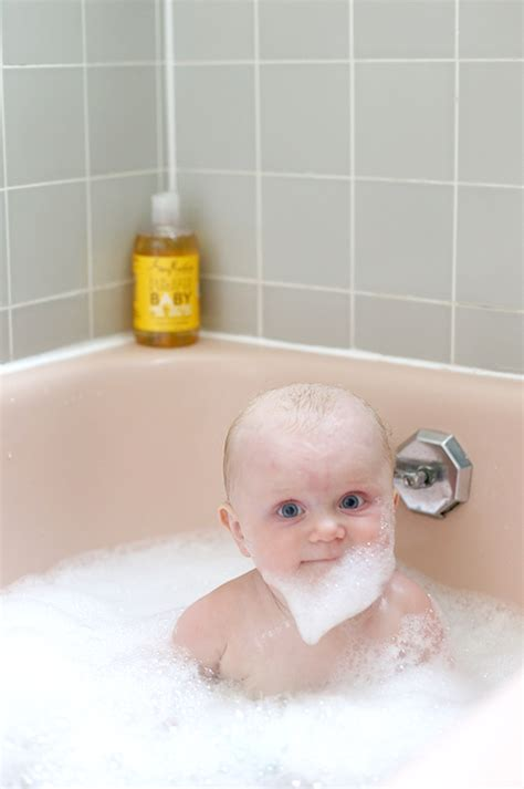 babies in the bathtub baby bath time say yes