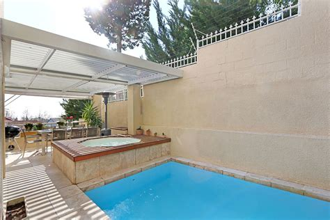self catering appartments self catering two bedroom apartment in sea point